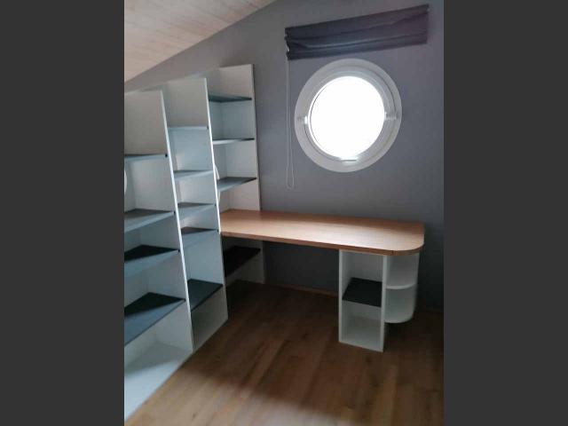 Mezzanine 17